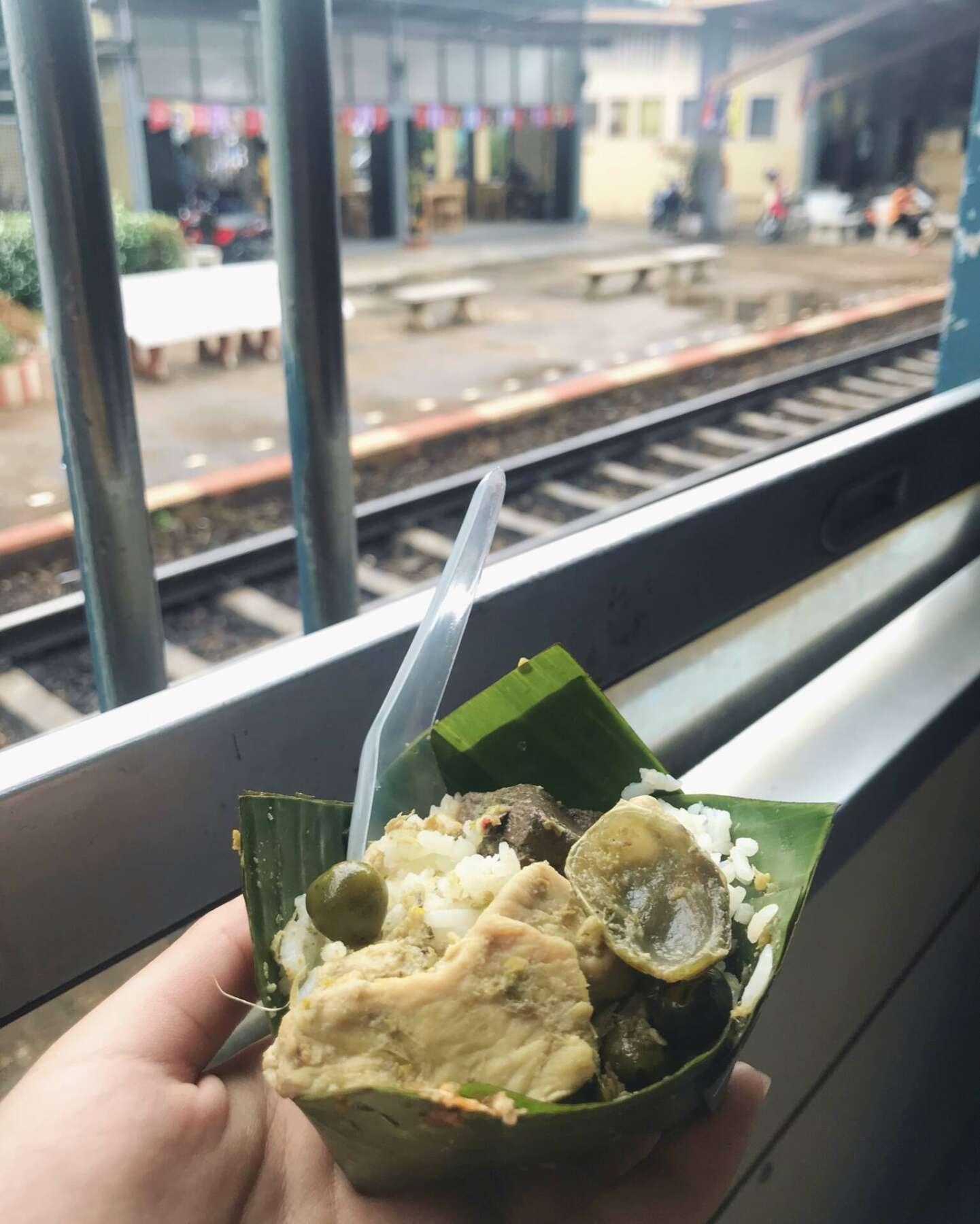 ของกินบนรถไฟ กรุงเทพหัวหิน